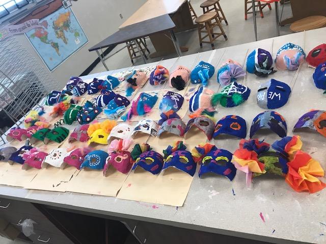 7thGraders Mask-Art & Spanish